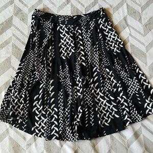 Lularoe Black & White Skirt w/pockets Sz L